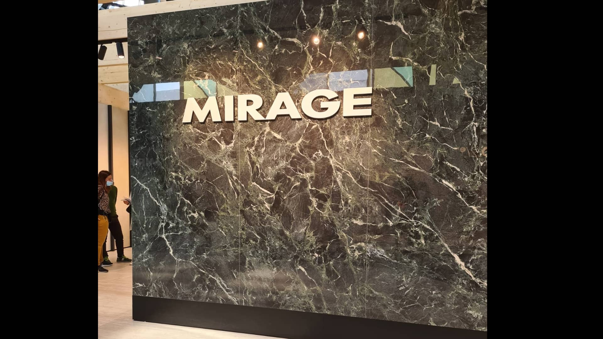 Mirage launches a series of new collections at Cersaie 2021