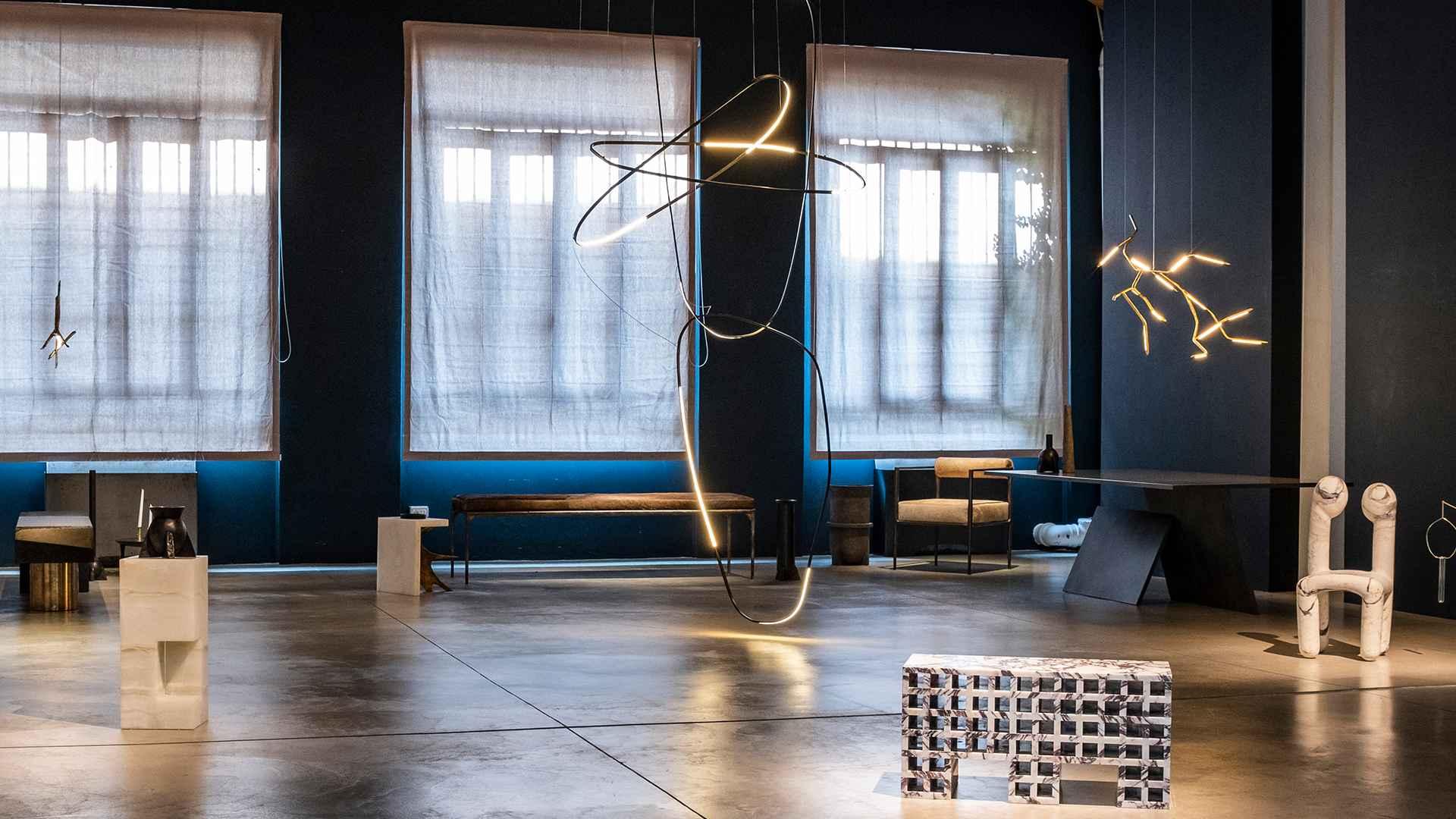 Urania: a robot-sculpted chair by contemporary Italian designer Pietro Franceschini